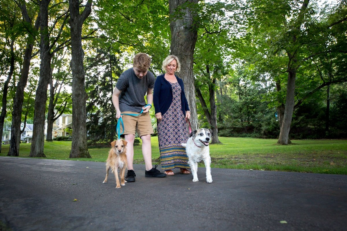 innkeepers with dogs
