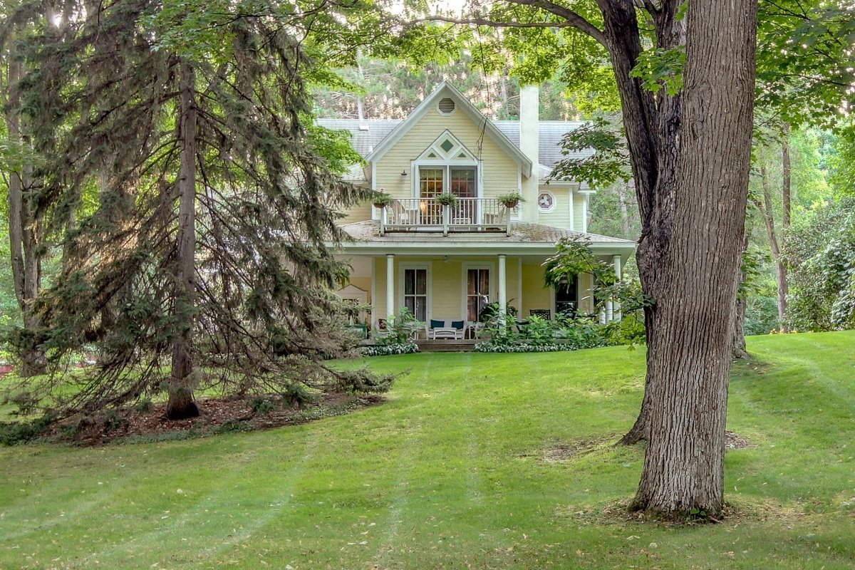 bellaire michigan bed and breakfast