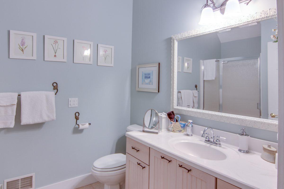 mackinac room bath